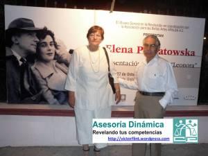 Hortensia Hernández de Flores y Luis Flores Herrera en la presentación de Leonora de la autora Elena Poniatowska