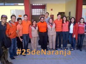 Personal directivo, docentes y estudiantes de Colegio Excelencia Preparatoria de Cd. Obregón, Sonora